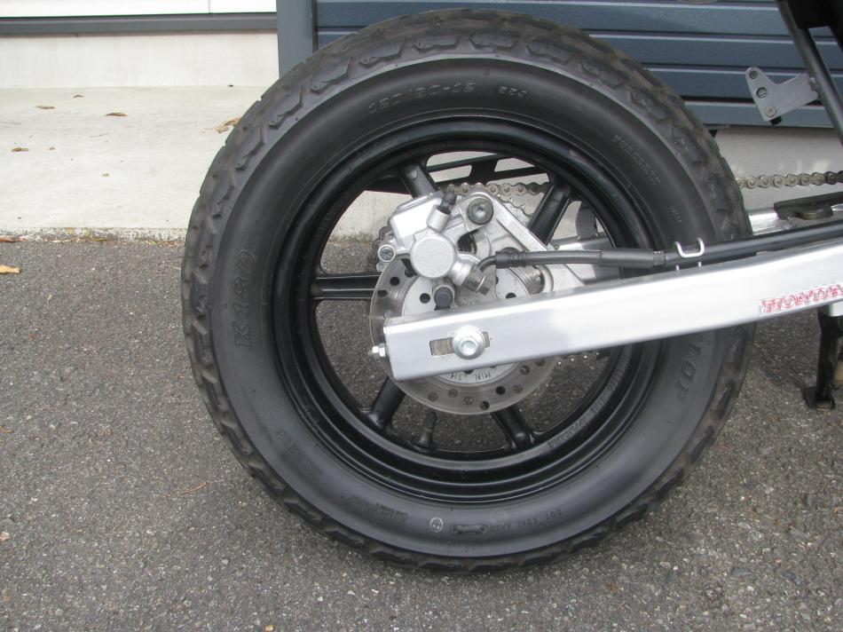 中古車バイク ホンダ XR50モタード(XR50motard) レッド リヤタイヤ