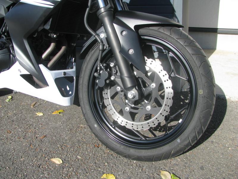 中古車バイク カワサキ Z250 ホワイト(白) フロントホイール