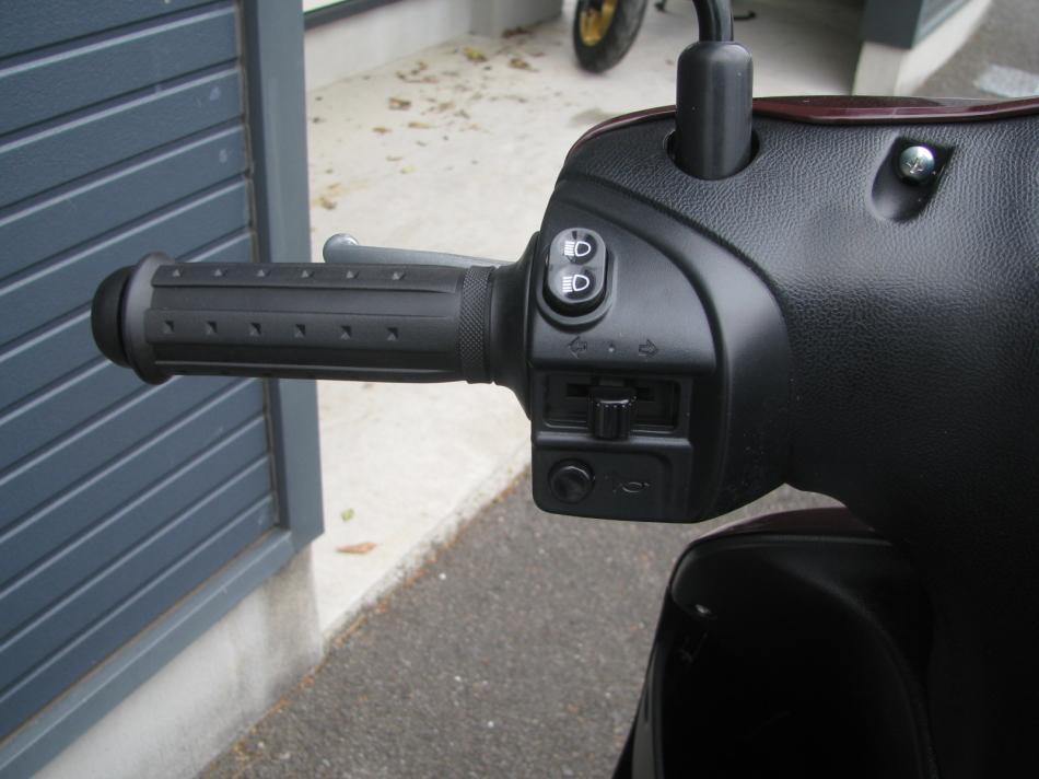 新車バイク スズキ レッツ ブラウン 2020年モデル ハンドル左スイッチ