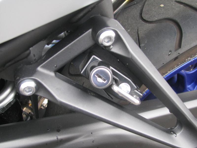 中古車バイク ヤマハ YZF-R25 ABS ブルー/シルバー 社外ヘルメットホルダー