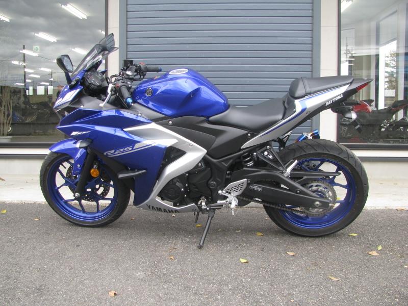 中古車バイク ヤマハ YZF-R25 ABS ブルー/シルバー ひだり側