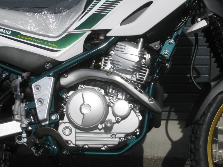 ヤマハ セロー250 ファイナル グリーン エンジン