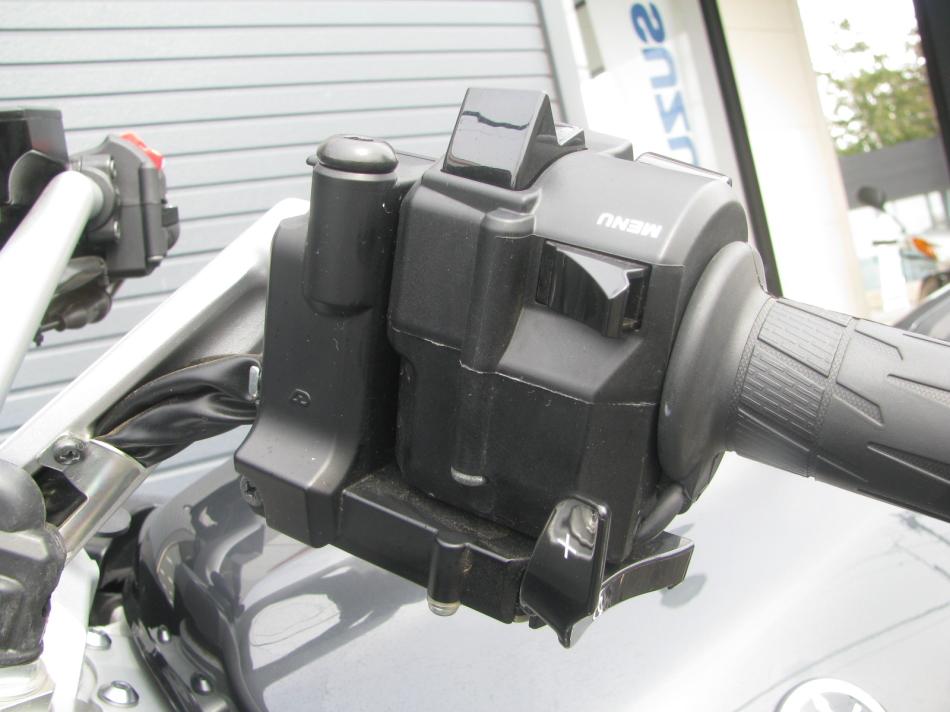 中古車情報 ヤマハ FJR1300AS グレイ ハンドルスイッチ左側前