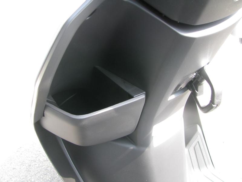 新車 ヤマハ JOG(ジョグ) マットシルバー フロントポケット