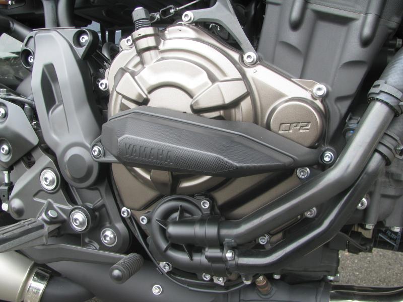 中古車 ヤマハ XSR700 マットシルバー エンジンガード