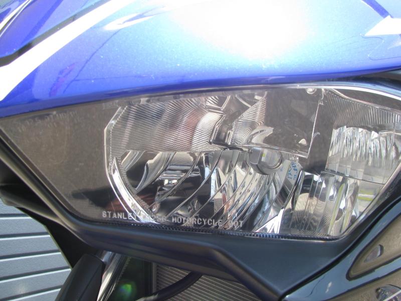 中古車 ヤマハ YZF-R25 ブルー(青) LEDヘッドライトバルブ