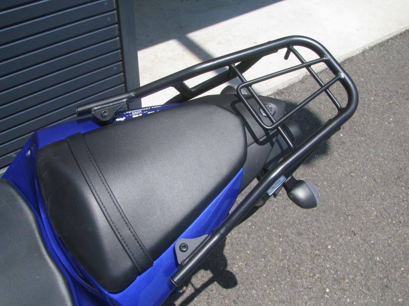 中古車 ヤマハ YZF-R25 ブルー(青) オプション品のリアキャリア