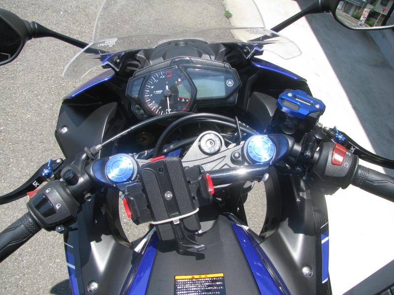 中古車 ヤマハ YZF-R25 ブルー(青) メーターパネル周り