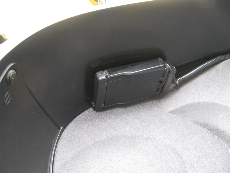 中古車 ヤマハ マジェスティS 60th Anniversary イエロー ETC車載器はシート下にあります。