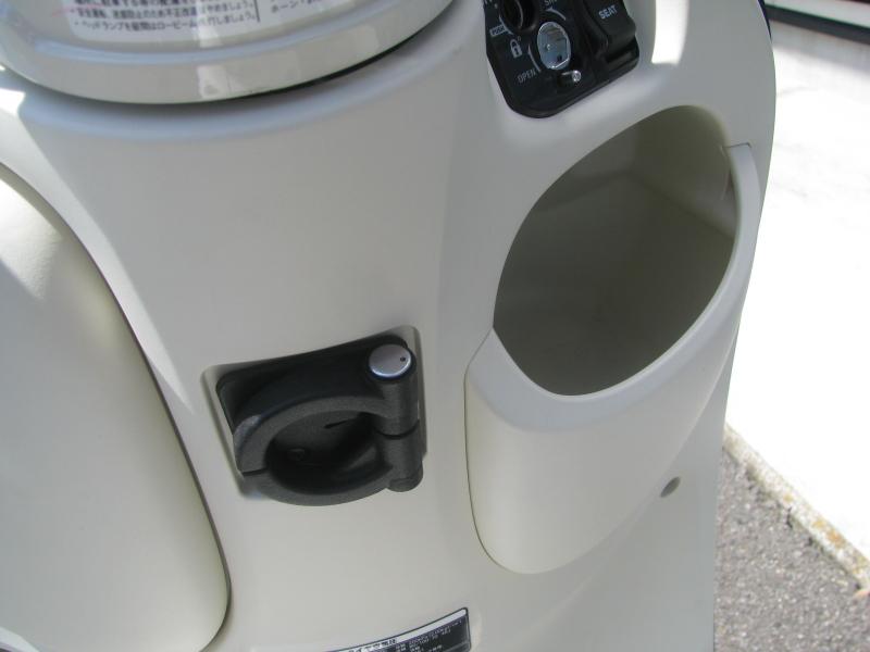 新車 ヤマハ ビーノ(VINO) ブルー 右ポケットとカバンホルダー