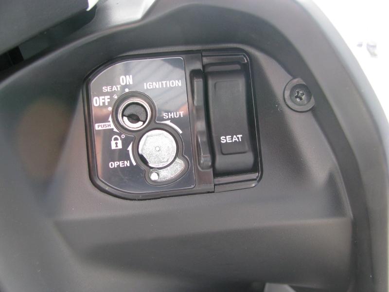 新車 ホンダ タクト(TACT) ホワイト キーシリンダー