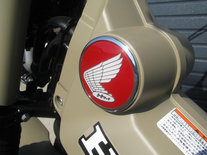 新車バイク ホンダ ハンターカブ(CT125) ブラウン エンブレムホンダ