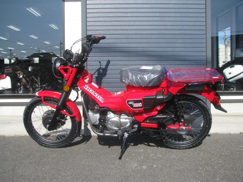 新車バイク ホンダ ハンターカブ(CT125) レッド ひだり側