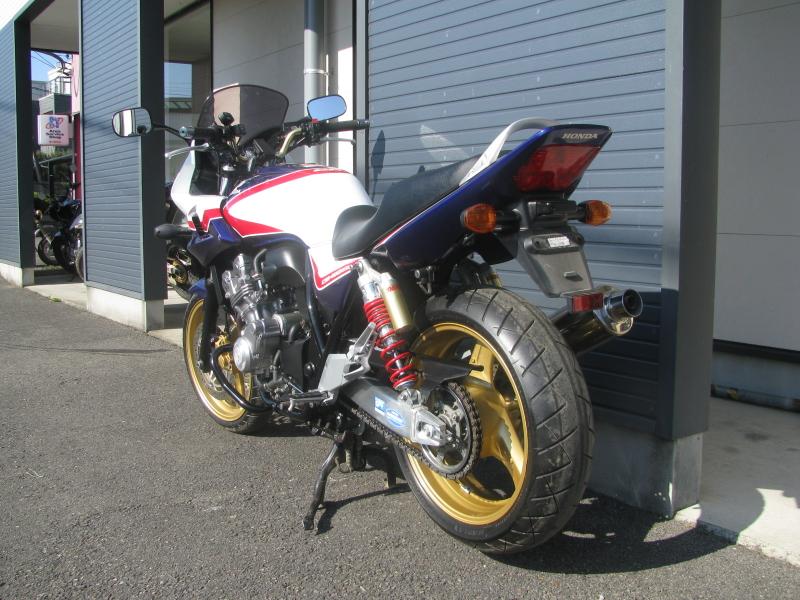 中古車バイク ホンダ CB400SB(スーパーボルドール) ブルー/ホワイト 左うしろ側