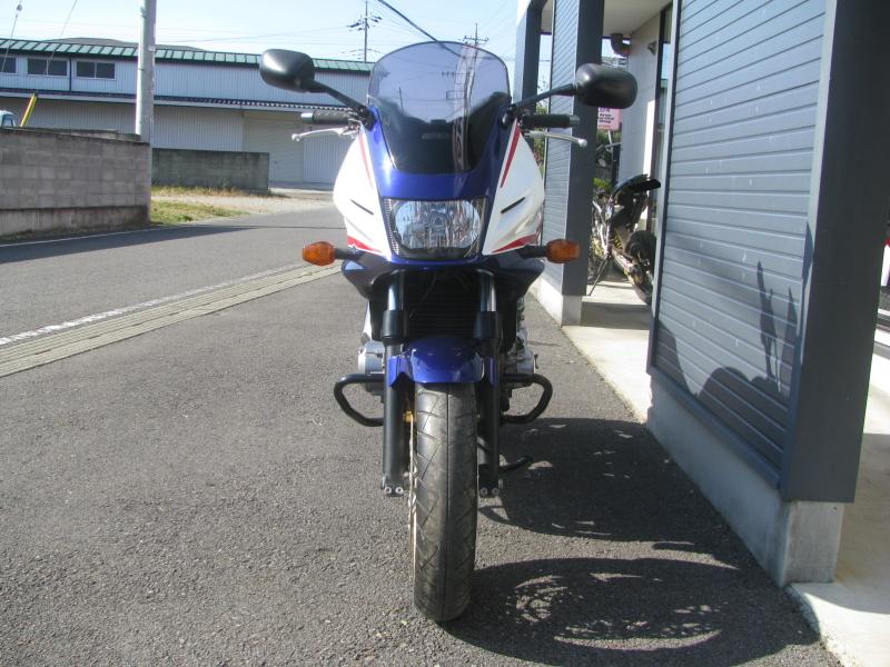 中古車バイク ホンダ CB400SB(スーパーボルドール) ブルー/ホワイト 正面