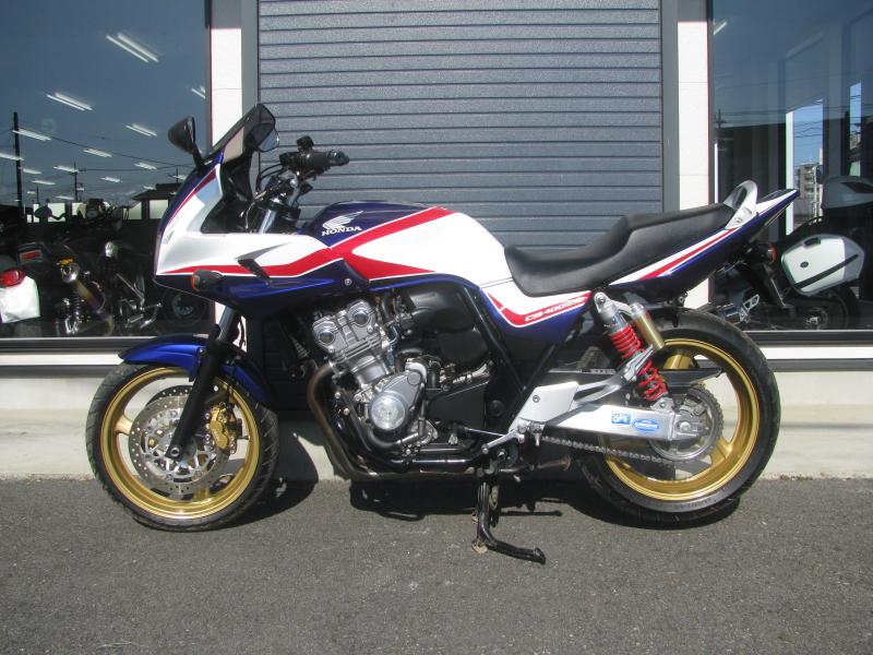 中古車バイク ホンダ CB400SB(スーパーボルドール) ブルー/ホワイト ひだり側