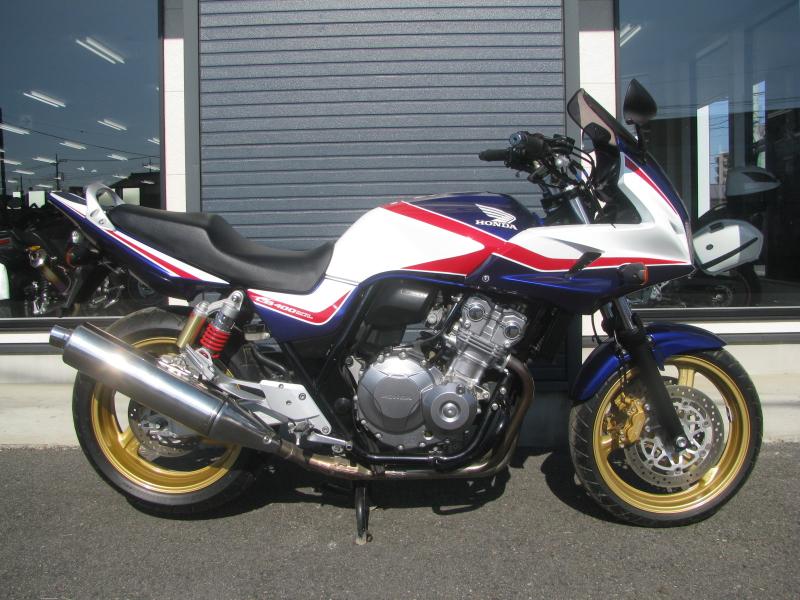 中古車バイク ホンダ CB400SB(スーパーボルドール) ブルー/ホワイト みぎ側
