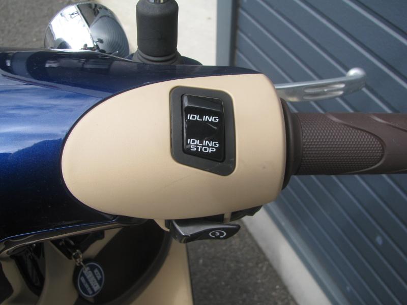 中古車バイク ホンダ ジョルノ(GIORNO) ブルー アイドリングストップスイッチ