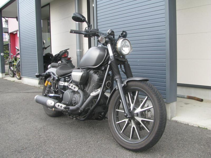 中古車バイク ヤマハ BOLT-R(ボルト Rスペック) マットグレー 右まえ側
