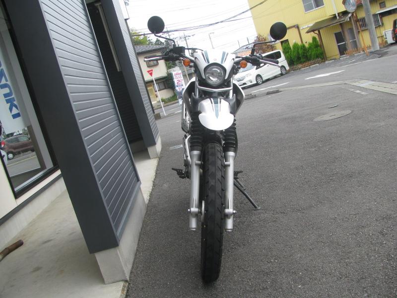 中古車 ヤマハ セロー250 グリーン/ホワイト 正面
