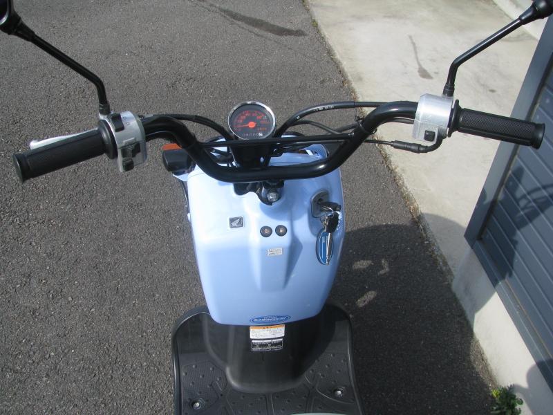 中古車バイク ホンダ ZOOMER(ズーマー) スペシャルエディション ブルー ハンドル周り