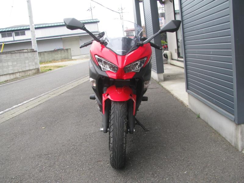 中古車バイク カワサキ Ninja250 レッド/ブラック まえ側