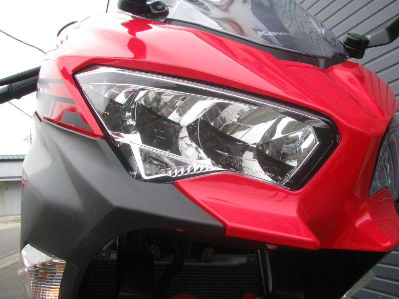中古車バイク カワサキ Ninja250 レッド/ブラック ヘッドライト