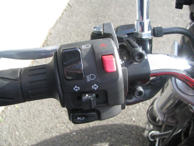 中古車バイク カワサキ ゼファーΧ(ゼファーカイ) ブラウン/オレンジ ハンドルスイッチ左側