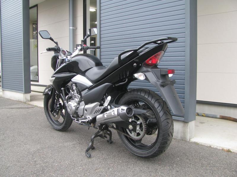 中古車バイク スズキ GSR250 ブラック 左うしろ側