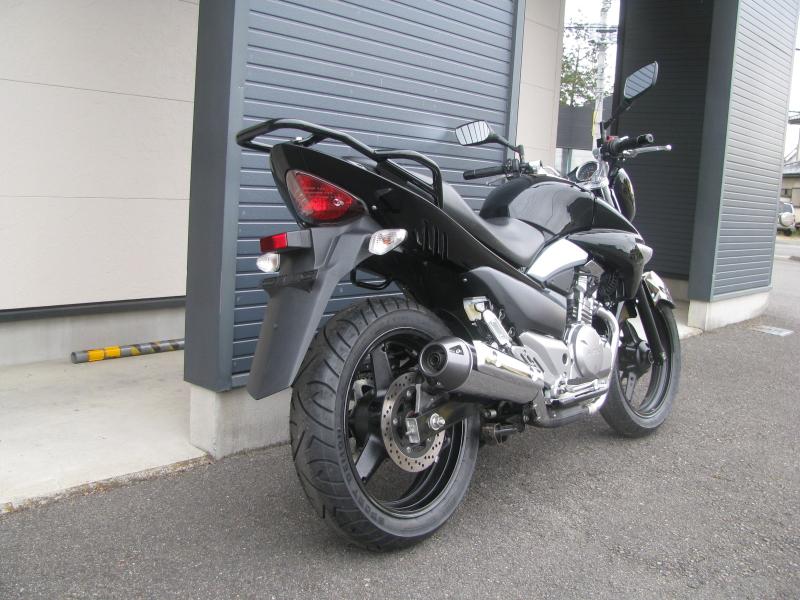 中古車バイク スズキ GSR250 ブラック 右うしろ側