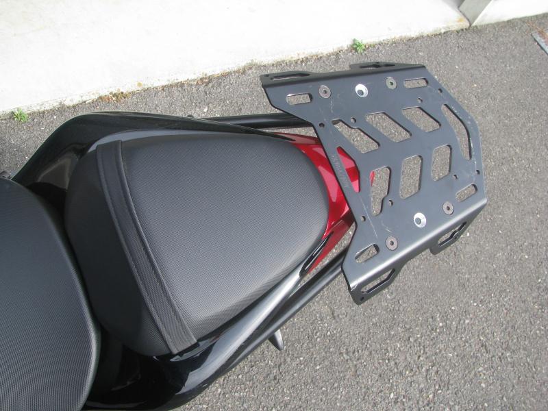 中古車バイク スズキ GSX-S1000 ABS レッド/ブラック リヤキャリア