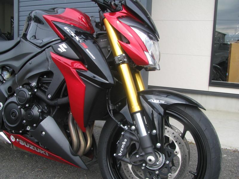 中古車バイク スズキ GSX-S1000 ABS レッド/ブラック フロントフォーク