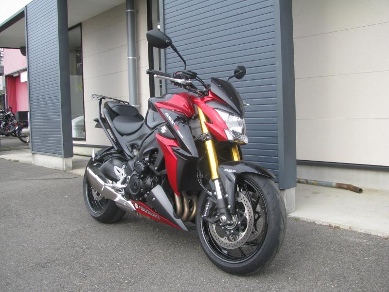 中古車バイク スズキ GSX-S1000 ABS レッド/ブラック 右まえ側