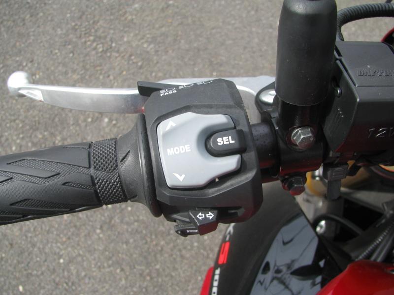 中古車バイク スズキ GSX-S1000 ABS レッド/ブラック 左ハンドルスイッチ