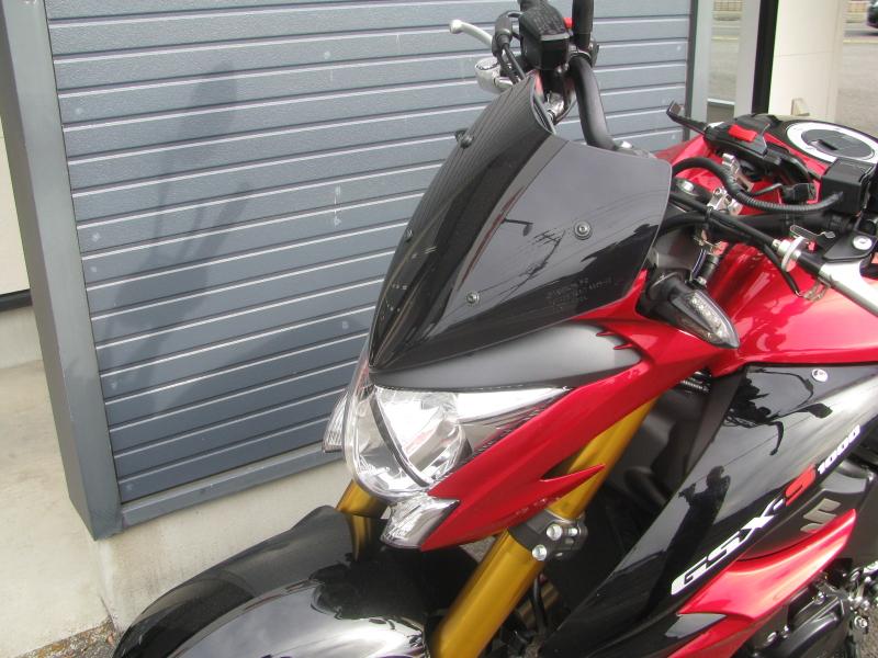 中古車バイク スズキ GSX-S1000 ABS レッド/ブラック メーターバイザー
