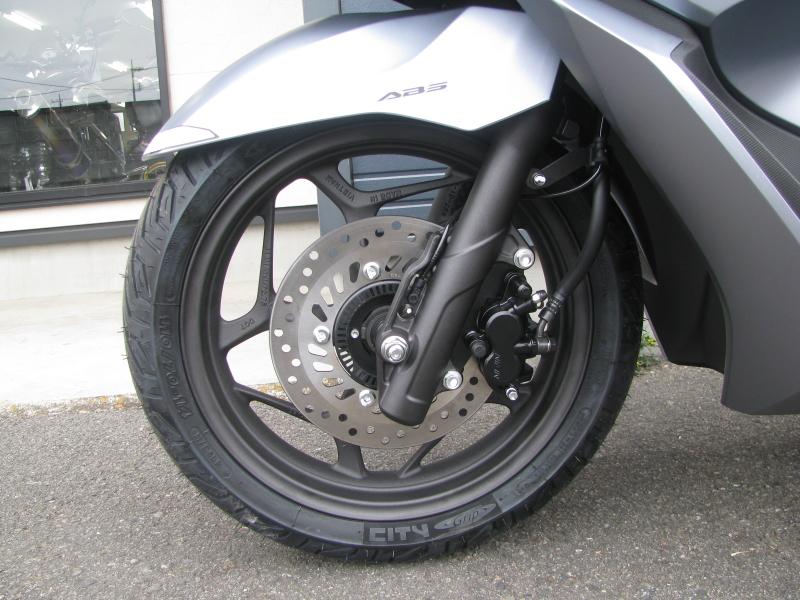 新車バイク ホンダ PCX125 マットシルバー フロントホイール ABS付き