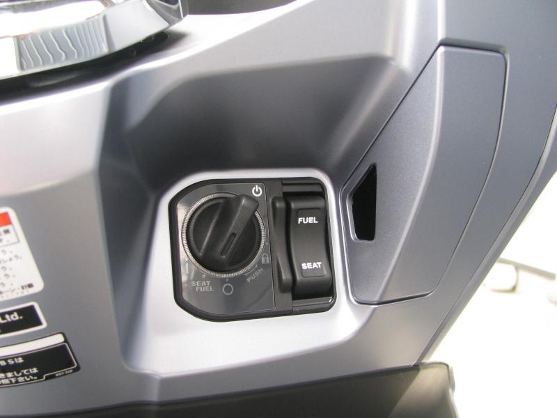 新車バイク ホンダ PCX125 マットシルバー メインキー