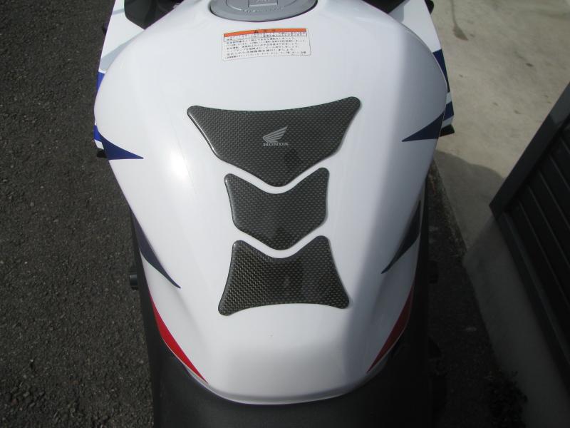 中古車バイク ホンダ CBR400R ABS トリコロールカラー タンクパット