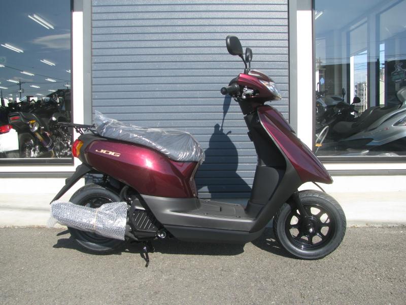 新車バイク ヤマハ JOG(ジョグ) レッド みぎ側