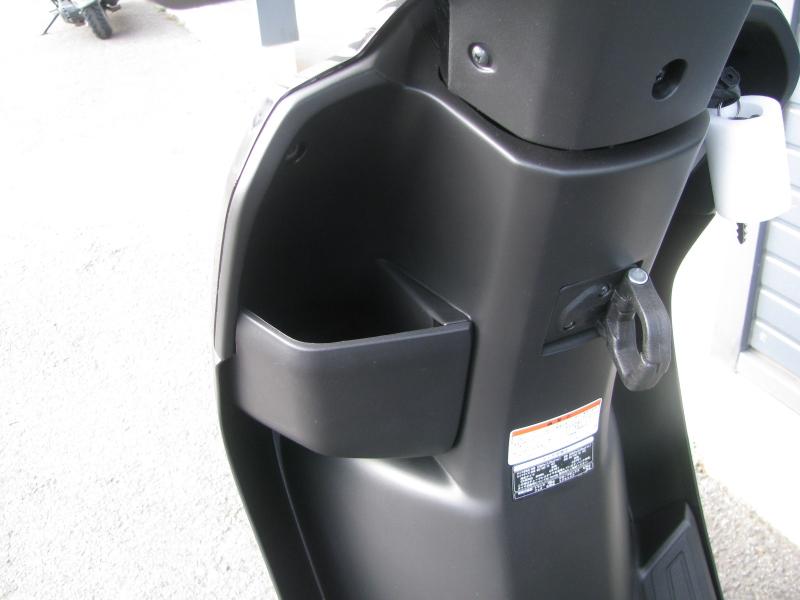 新車 ホンダ TACT(タクト ベーシック) ブラック フロントポケットとカバンホルダー