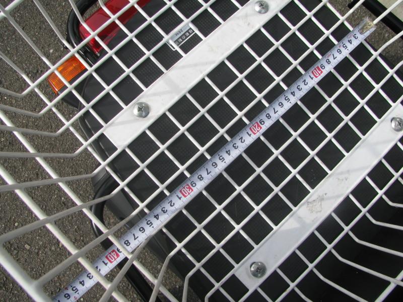中古車 ヤマハ ギア(GEAR) ホワイト リアバスケット 底面横の長さ 約36cm