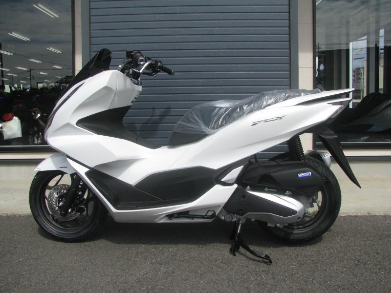 新車バイク ホンダ PCX125 ホワイト ひだり側