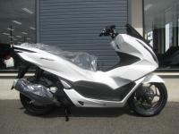 新車バイク ホンダ PCX125 ホワイト