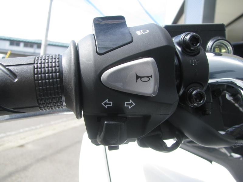 新車バイク ホンダ PCX125 ホワイト 左ハンドルスイッチ