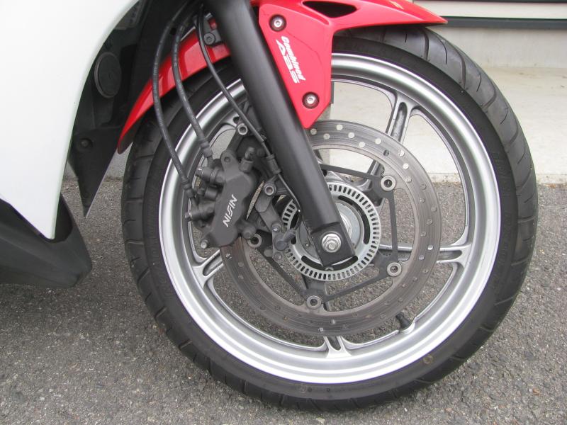 中古車 ホンダ CBR250R ABS トリコロールカラー(白/青/赤) フロントホイール