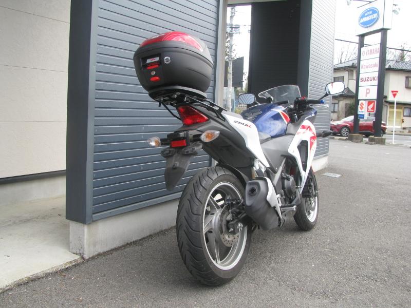中古車バイク ホンダ CBR250R ABS ホワイト/ブルー/レッド(トリコロールカラー) 右うしろ側