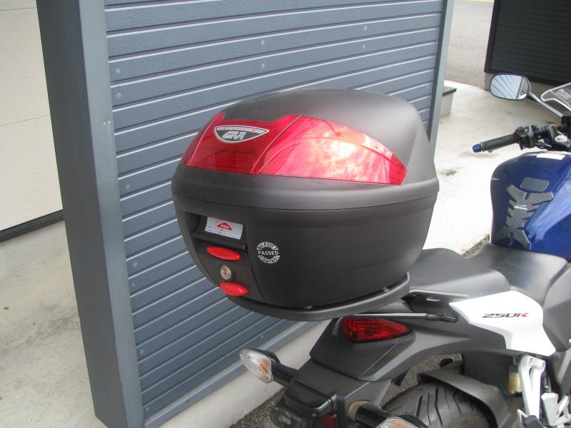 中古車バイク ホンダ CBR250R ABS ホワイト/ブルー/レッド(トリコロールカラー) トップボックス
