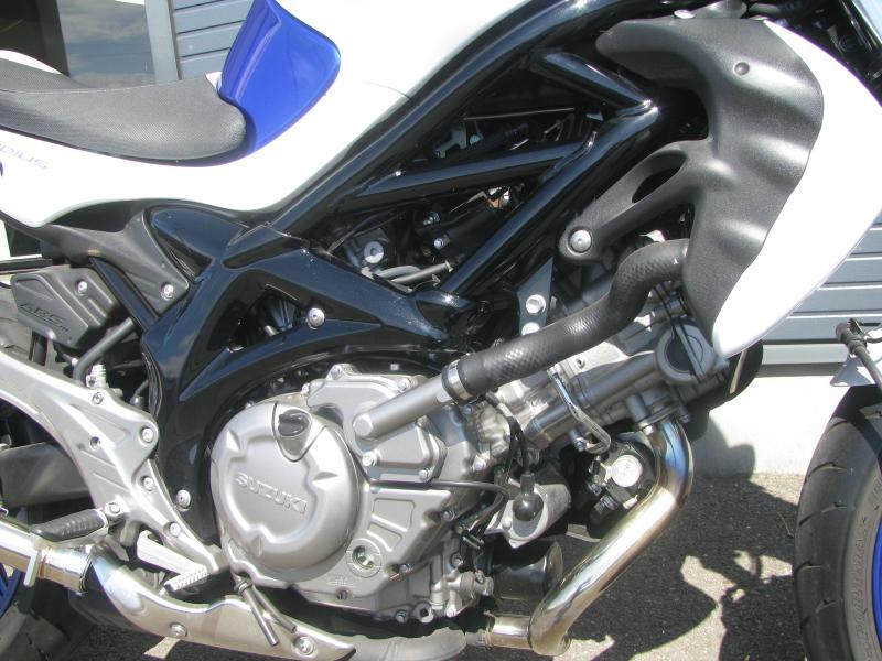 中古車 スズキ グラディウス400ABS(GLADIUS) ブルー/ホワイト エンジン