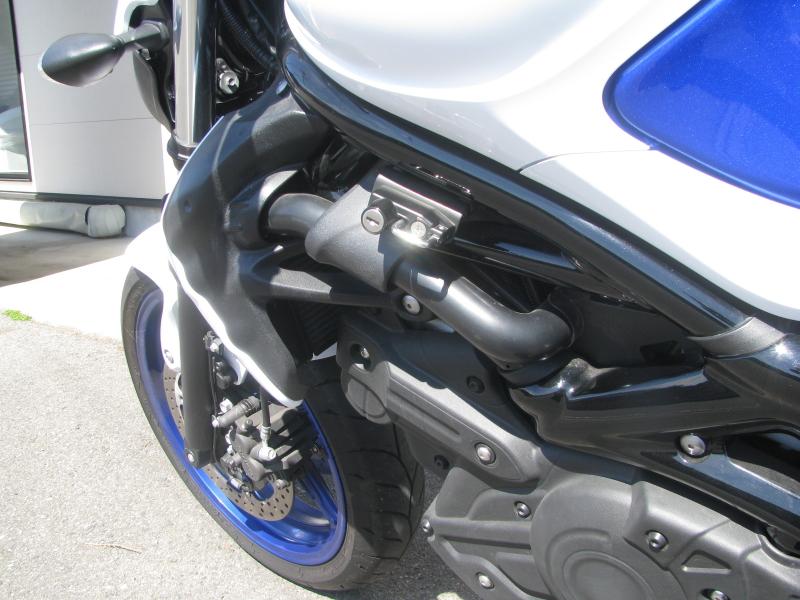 中古車 スズキ グラディウス400ABS(GLADIUS) ブルー/ホワイト ヘルメットホルダー