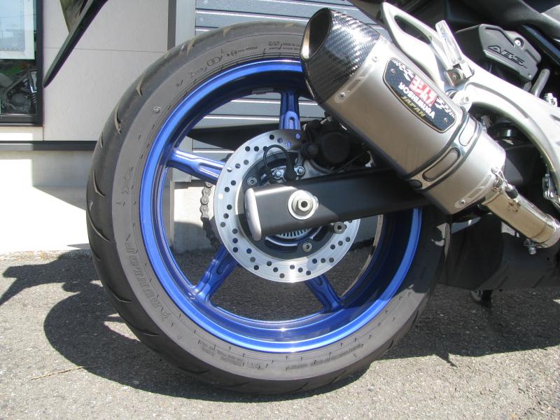 中古車 スズキ グラディウス400ABS(GLADIUS) ブルー/ホワイト リアホイール